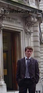 Bow_Street_Magistrates_Gary_McKinnon_24_Nov_2005_600.jpg Gary McKinnon outside Bow Street Magistrates' Court, London, 24th November 2005